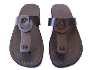 tipos-de-calzados-para-hombres-sandalias